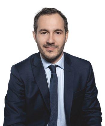 Théo Clerc avocat en droit public avocat en droit funéraire paris